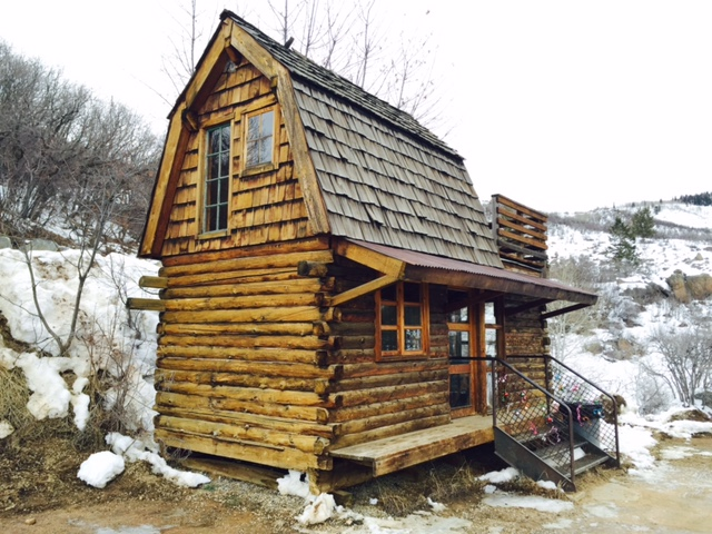 My Weekend in the Tiny Log Cabin EVstudio Architect Engineer