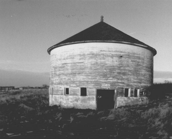 Round-Barn-1988